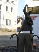 Deggendorf_Denkmal für die Knödelwerferin