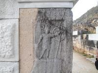 Kriegsgott Ares am Westzugang des Theaters in Philippi