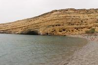 Höhlen in den Felsen in Matala