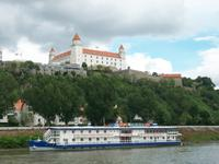 Bratislava - die Pressburg von der Donau aus