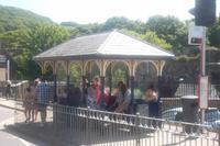 Altes walisisches Buswartehäuschen in Conwy