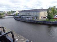 Das River Court Hotel vom Schloss aus gesehen