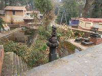 an den Quellteichen hat sich der große Shekh-Narayan-Tempel entwickelt