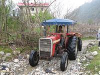 Traktor nach der Unterbodenwäsche
