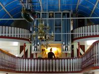 050_Orgelspiel in der Kirche in Torshavn