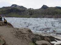 966 Island - Fahrt entlang der Südküste - Stopp am Gletscher Svinafellsjökull