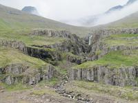 Wasserfall bei Reydarfjördur