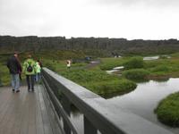 Auf dem Weg zum historischen Parlamentsplatz im Nationalpark Thingvellir