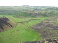 Tal Nordurádalur und der Krater Grábrók