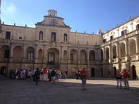 während der Stadtbesichtigung von Lecce