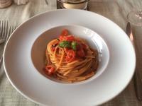 Pasta mit Tomaten im Lido del Faro Restaurant