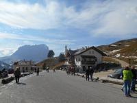 Dolomiten-Rundfahrt (Aufenthalt auf dem Grödner-Joch)