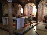 Dom Modena Innenraum