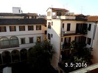 33 Blick in den Innenhof unsres Hotels
