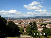 57 Domkuppel Santa Croce ,im Hintergrund auf dem Hügel-Fiesole