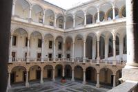 Normannenpalast - Innenhof vor der Cappella Palatina