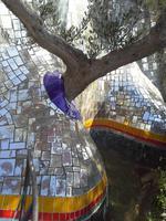 Tarotgarten von Niki de Saint Phalle und Team bei Capalbio, Baum
