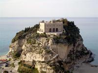 Santa Maria del Isola in Tropea