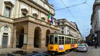0197 Mailand, Straßenbahn vor der Mailänder Scala