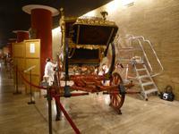 Restaurationsarbeiten in der Karossenausstellung im Vatikan