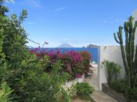 Blick von Panarea nach Stromboli
