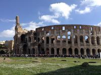 vor dem Colosseum