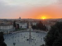 Sonnenuntergang am Piazza del Popolo in Rom
