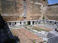 Führung in Ostia Antica (Toiletten)