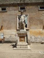Statue im Innenhof der Engelsburg