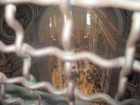 Blick von der Innenkuppel indas Kirchenschiff