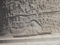 Das Relief an der Trajanssäule erzählt römische Geschichte .