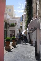 Spaziergang durch die Gassen von Capri-Zentrum