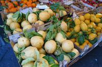 frisches Obst, wohin man schaut...