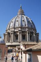 Blick auf Kuppel vom Dach des Petersdoms