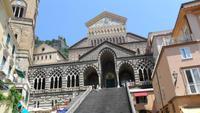 Fassade des Domes zu Amalfi