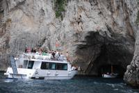 Einfahrt in die Rote Grotte