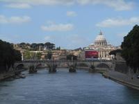 Rom (Blick von der Ponte Umberto I. zur Engelsbrücke und zur Peterskirche)