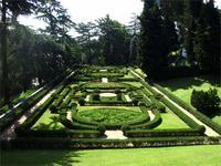 in den vatikanischen Gärten