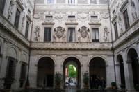 Innenhof des Palazzo Spada