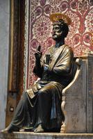 Hl. Petrus - Statue im Petersdom
