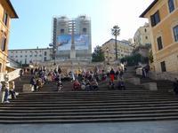 Spanische Treppe mit Blick zur Kirche Trinita dei Monti