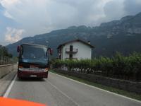 Ankunft in Borghetto, unser Bus verfolgte uns auf den letzten Metern