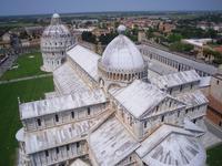 Pisa (Blick vom Schiefen Turm auf den Dom und das Baptisterium)