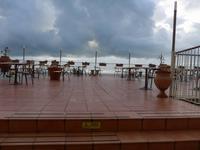 Sizilien, Terrasse am Speisesaal im  Hotel Olimpo