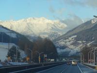 Blick auf die verschneiten Berge bei Sterzing