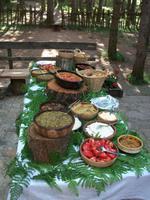 Mittagessen im Ethnodorf Sirogojno