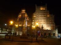 Schwarzhäupter Häuser Riga mit Roland-Denkmal