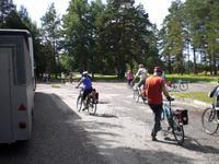 Radgäste während des Etapenstarts im Estland