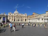 Rom – Petersplatz mit dem Petersdom