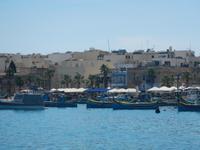 Marsaxlokk mit Luzzu-Booten